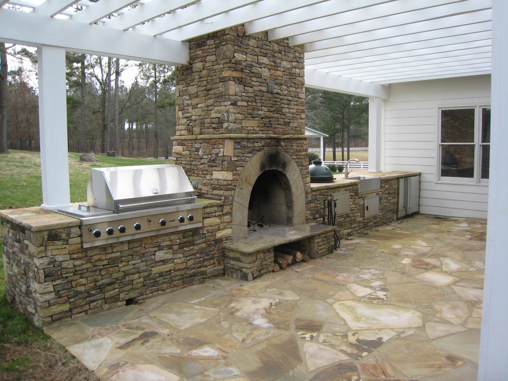 Outdoor fireplaces and pits seattle brickmaster Deck fireplace designs